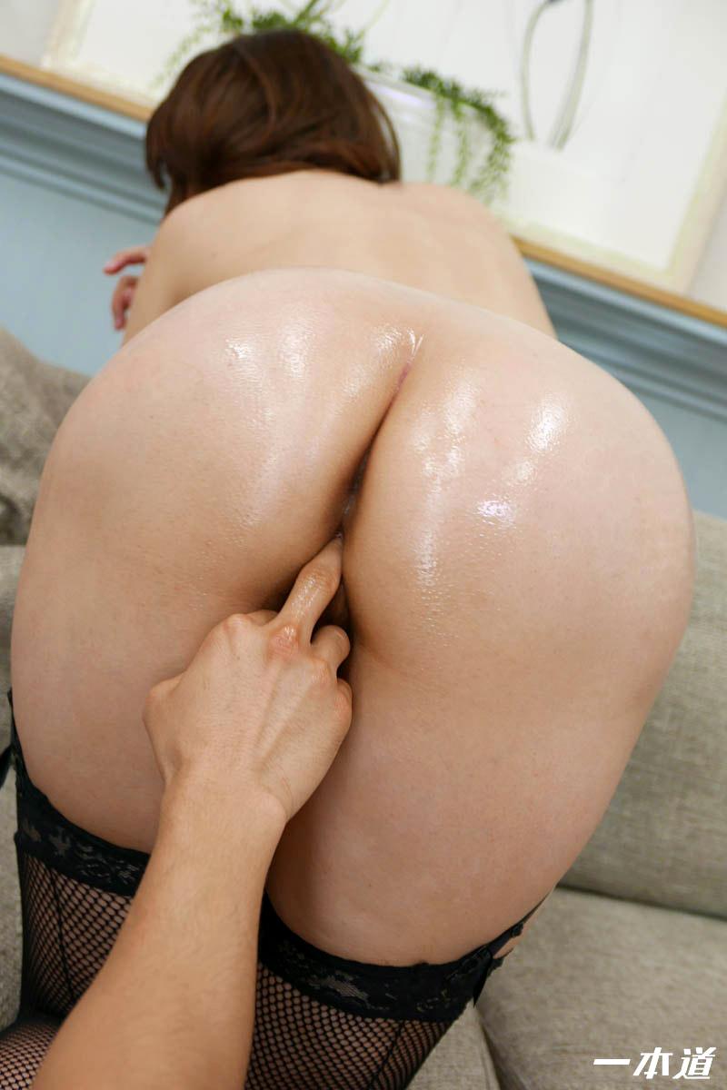 Nip tuck nudity